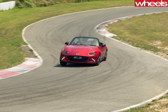 Mazda -MX-5-hairpin