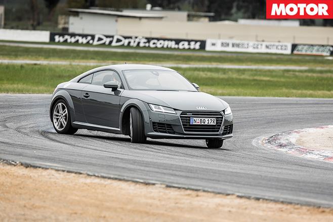 Audi -TT-cornering