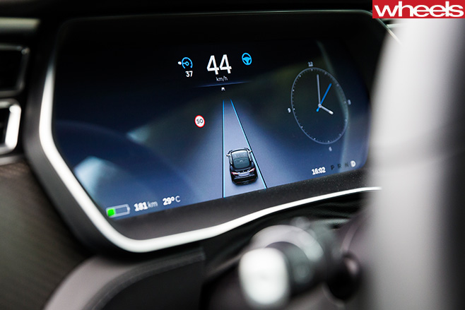 Tesla -driving -on -Instrument -cluster