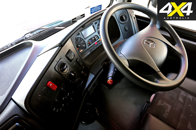 Zetros 6x6 interior