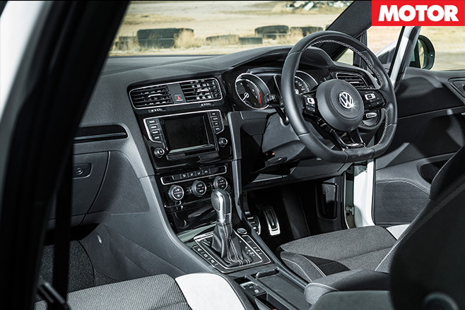Volkswagen golf -r interior