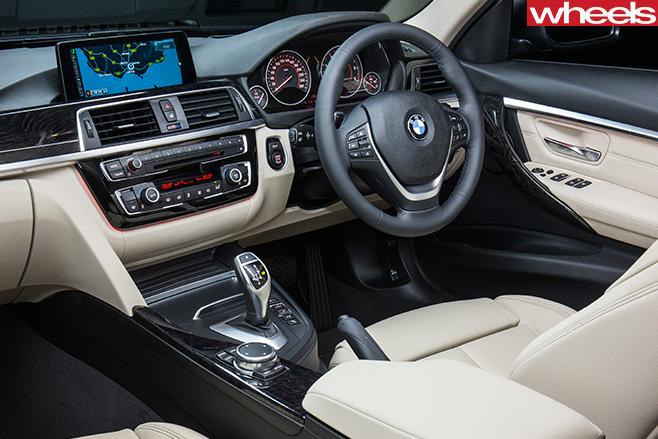 BMW-318i -interior