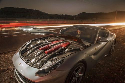 Ferrari -F12-engine