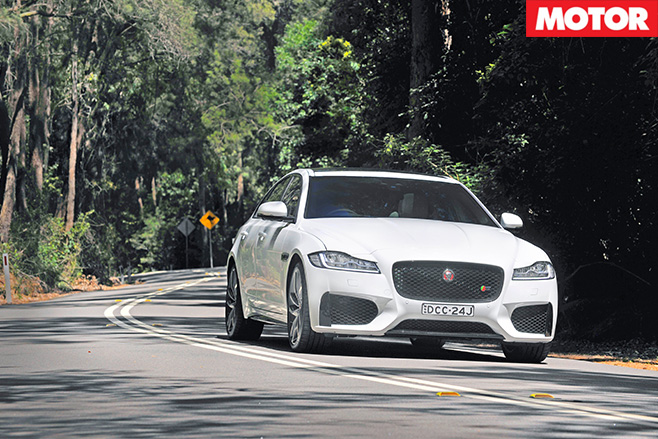 Jaguar -XF-driving