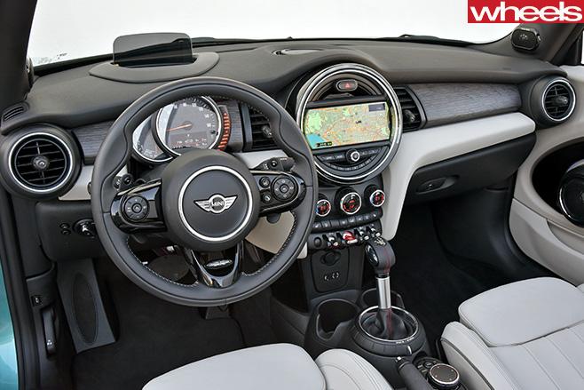 Mini -Cooper -S-Convertible -Caribbean -Aqua -interior
