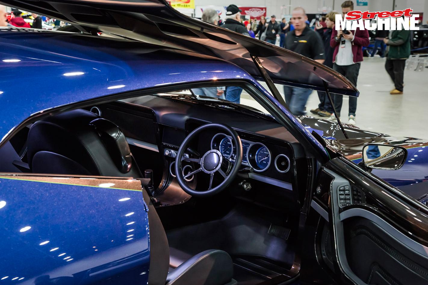 XBOSS XB Falcon Coupe 1 Nw