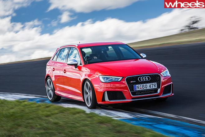 Audi -RS-driving -corner