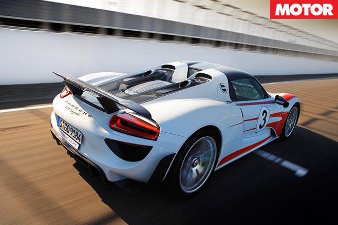 Porsche 918 Spyder rear driving