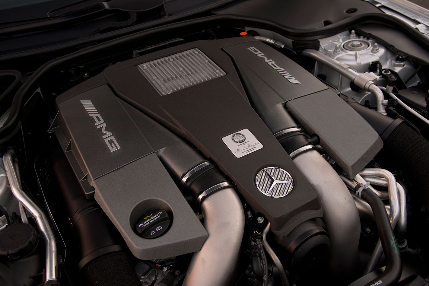 Mercedes -AMG-SL63-review -engine