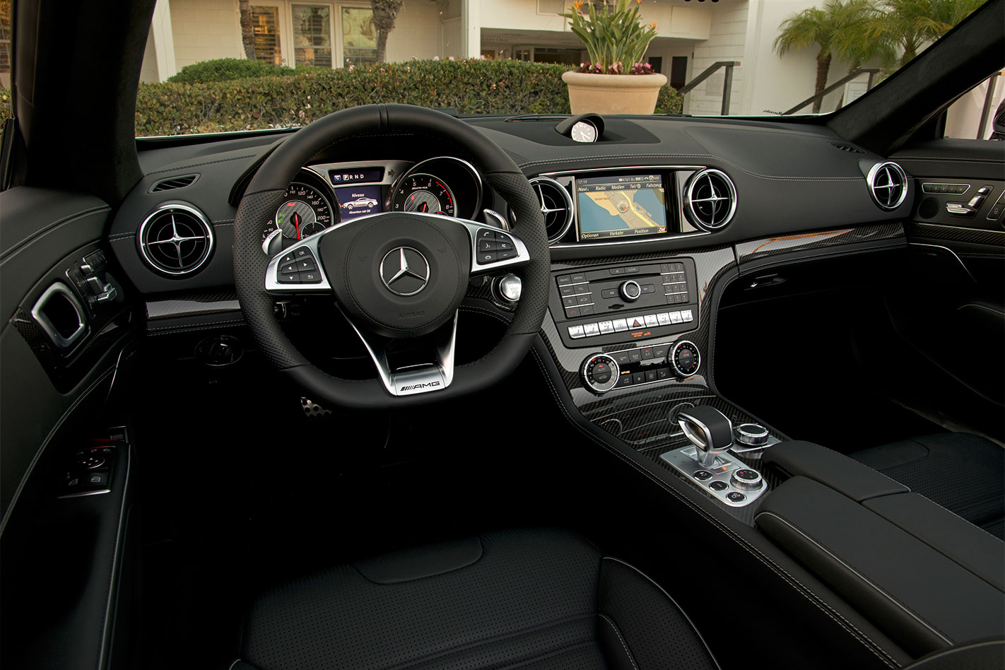 Mercedes -AMG-SL63-review -interior