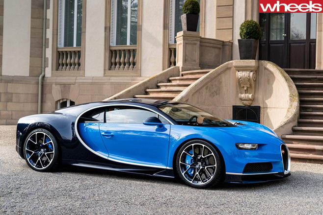 Blue -Bugatti -Chiron -side