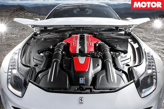 Ferrari -FF-engine