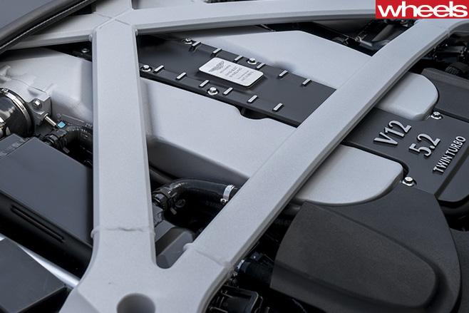 Aston -Martin -DB11-engine