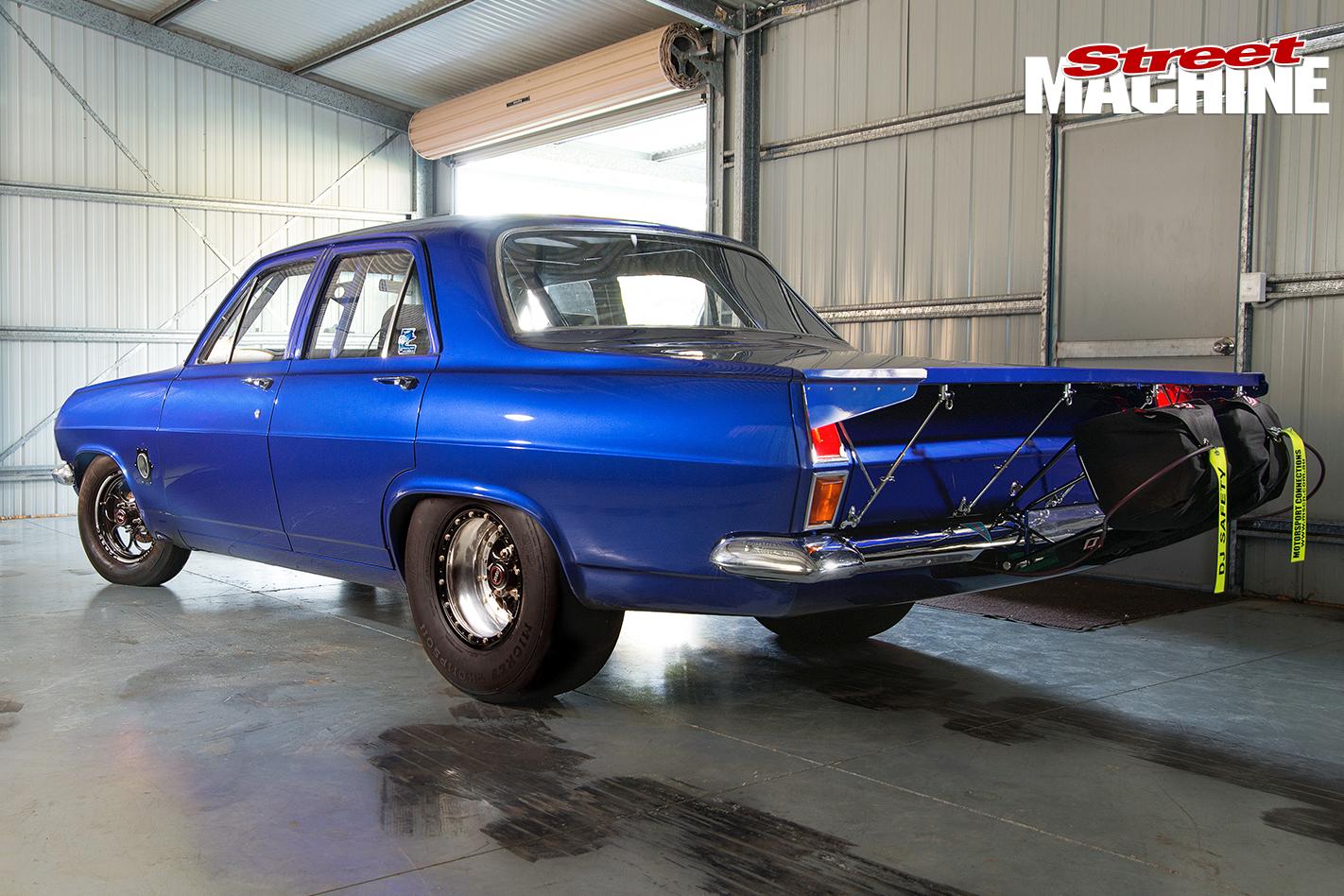 HR-Holden -rear -1422