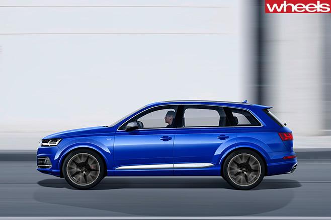 Audi -Q7-side