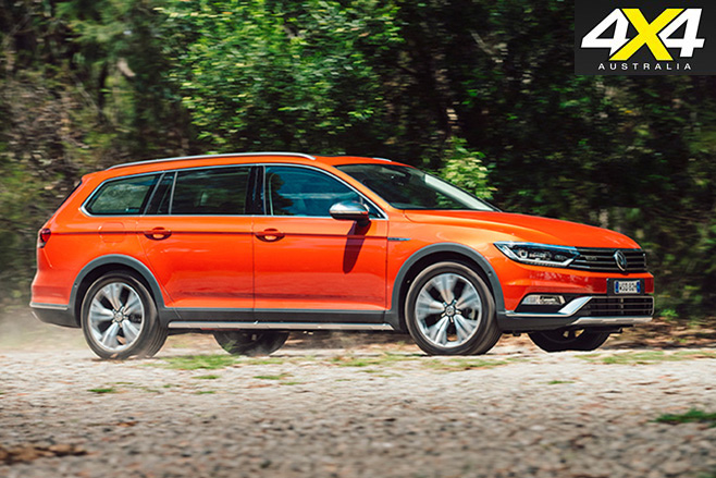 2016 Volkswagen Passat Alltrack side