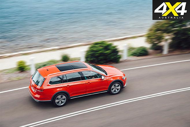 2016 Volkswagen Passat Alltrack top view