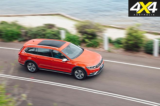 2016 Volkswagen Passat Alltrack top front