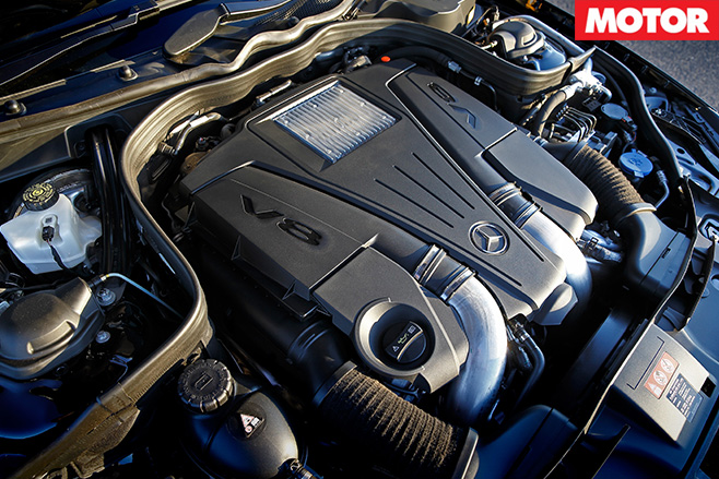 Mercedes-Benz CLS 500 engine