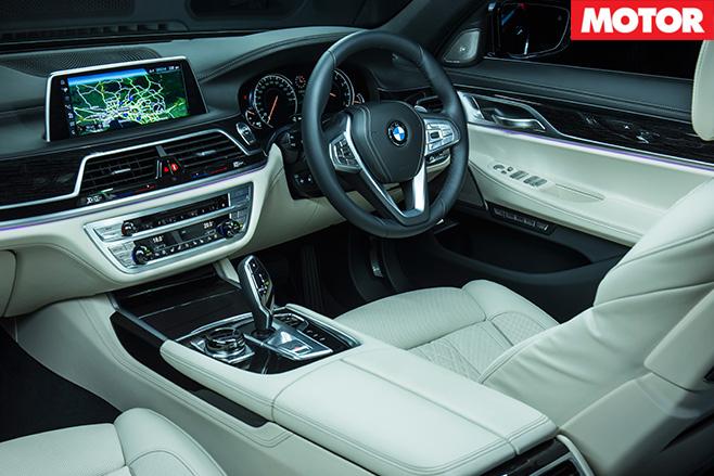 2016 BMW 740i interior