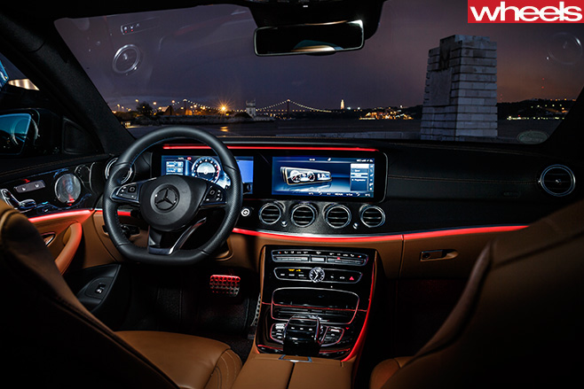 2016 mercedes benz e class review wheels for Mercedes e interieur