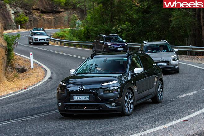 Citroen -C4-driving -corner