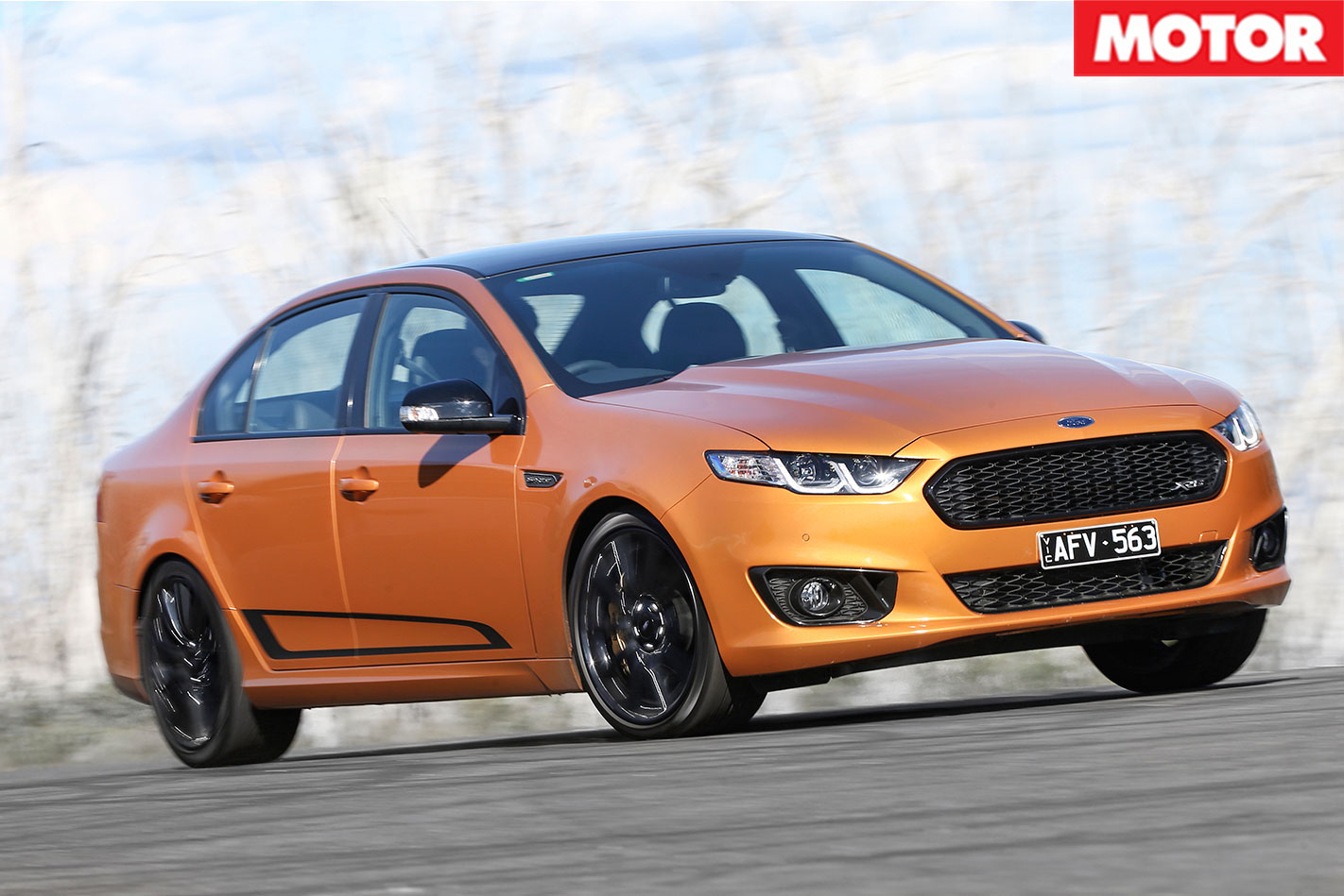 Ford -Falcon -XR8-Sprint -cornering
