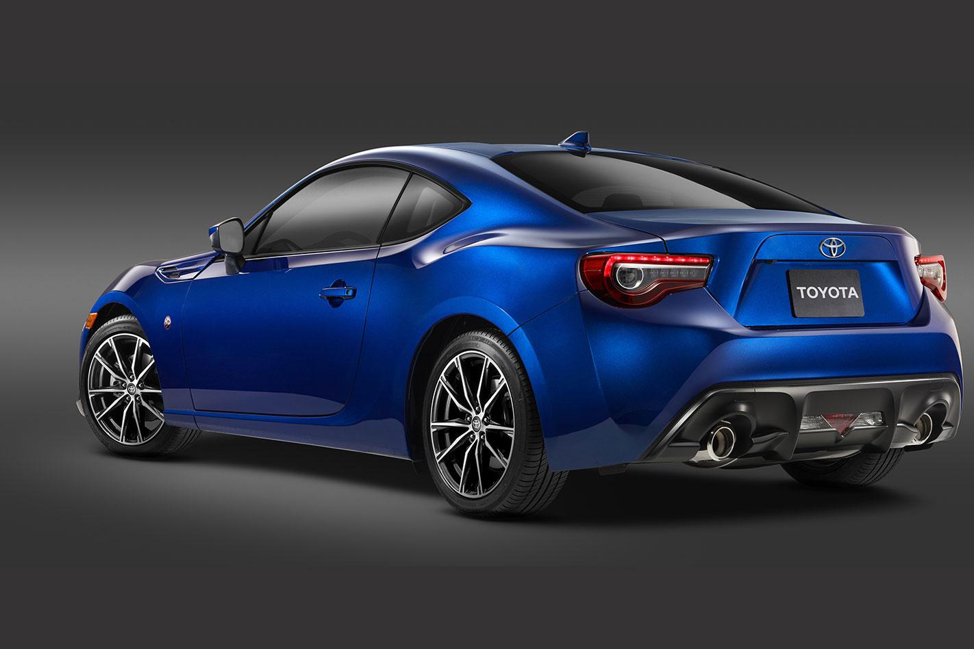 2017-Toyota -86-rear