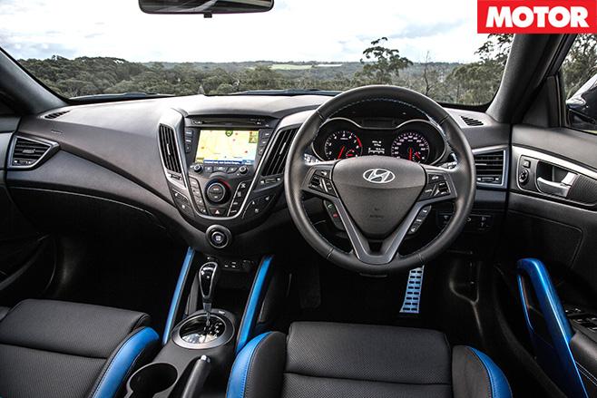 Hyundai Veloster Turbo front interior