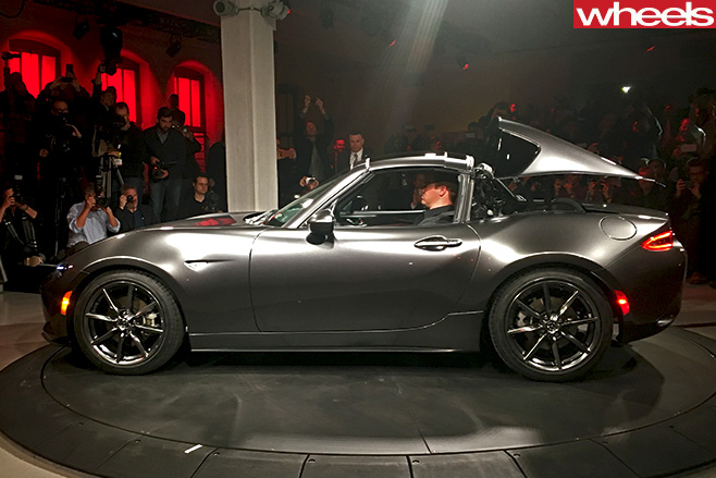 Mazda -MX-5-RF-New -York -Motor -Show -side