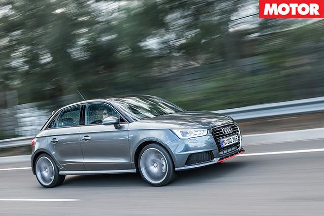 Audi A1 Sportback 1.8 TFSI driving