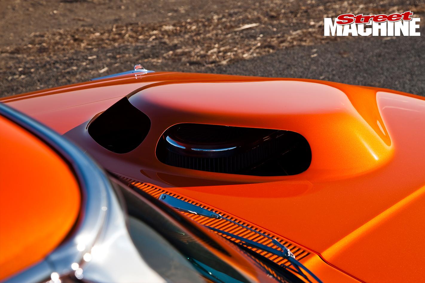 Ford -Galaxie -500-bonnet