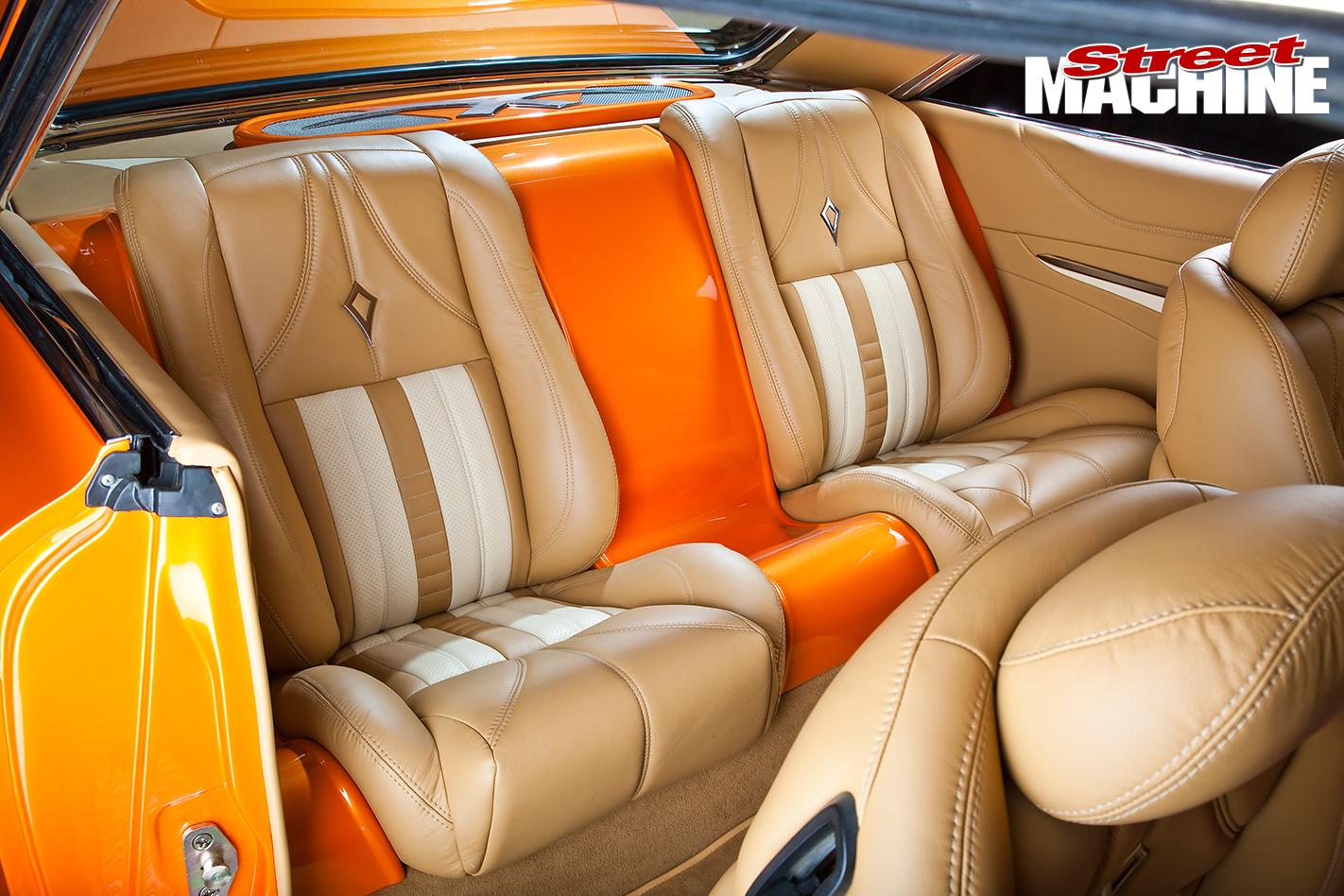 Ford -Galaxie -500-interior -rear