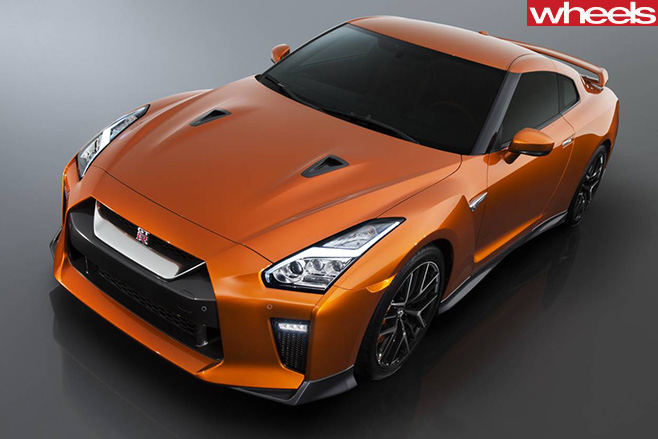 Nissan -GT-R-front -side-