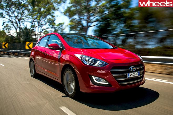 Hyundai -I30-FRONT-SIDE