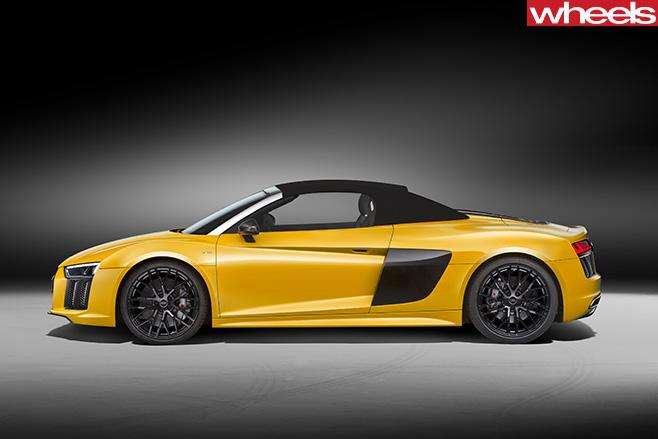 Audi -R8-Spyder -side