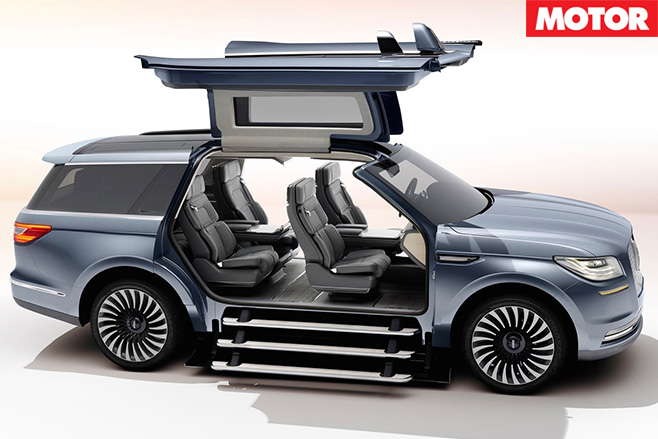 Lincoln Navigator Concept stairs
