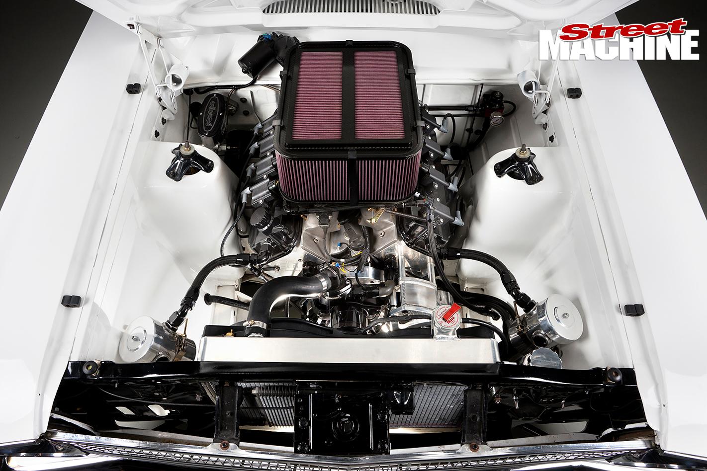 Ford -XR-Falcon -engine -bay