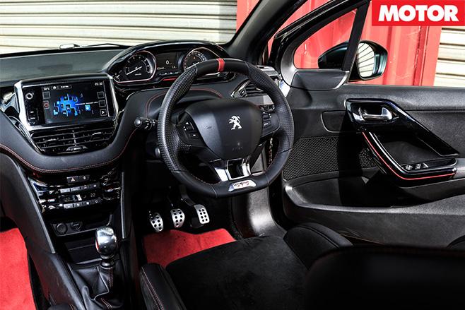 Peugeot 308 GTi 30th interior