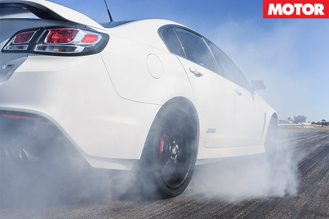Holden commodore redline burnout