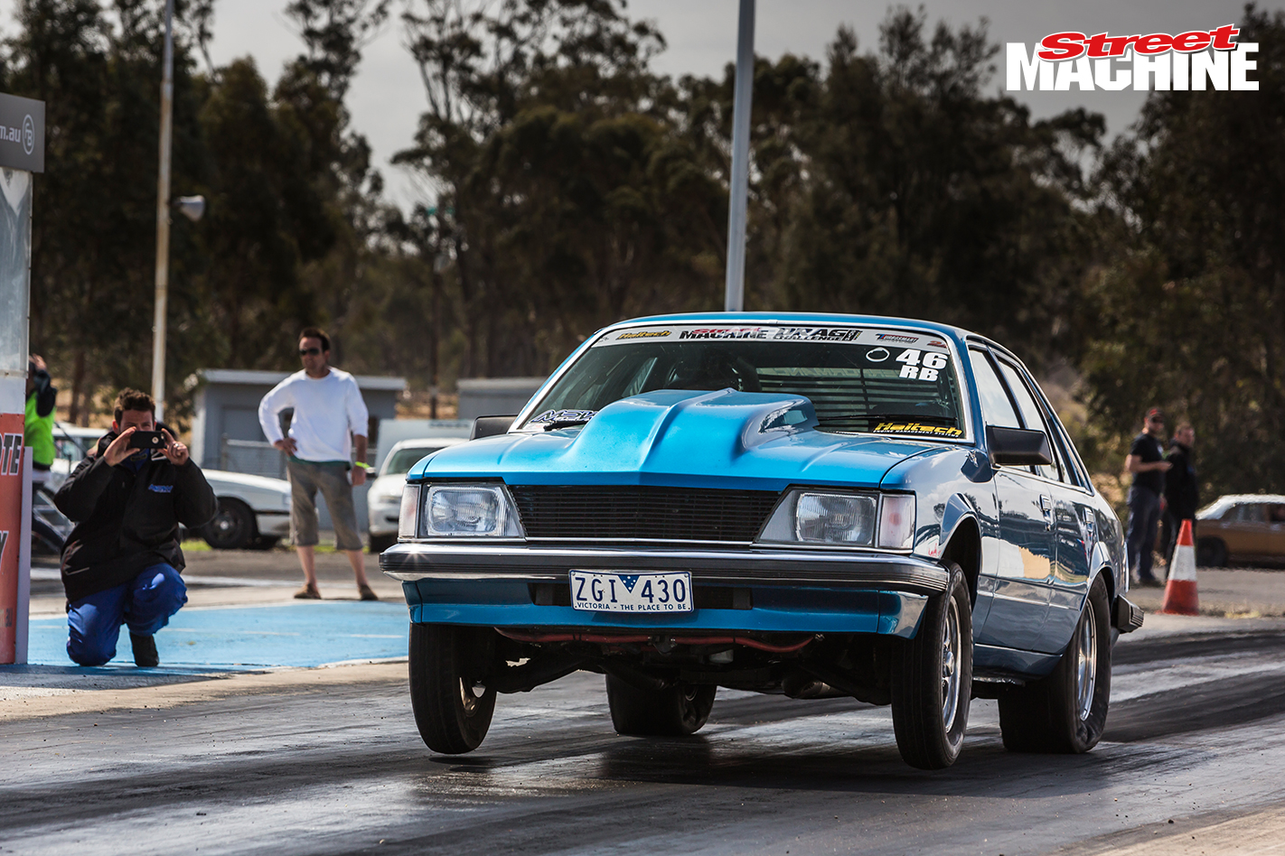 VH Commodore Drag Race