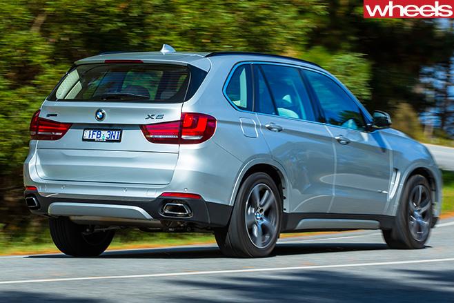BMW-X5-Plug -in -hybrid -rear -side -driving