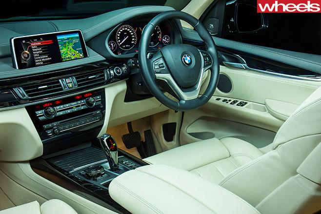 BMW-X5-Plug -in -hybrid -interior-