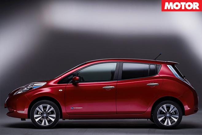 Nissan leaf side