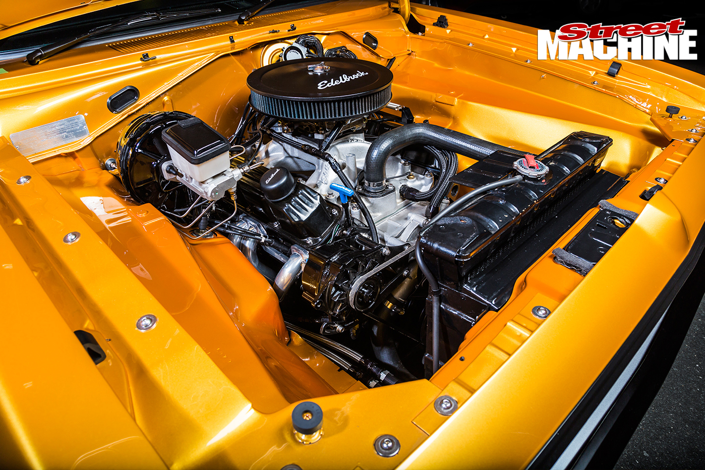 Chrysler -VJ-Charger -engine -bay
