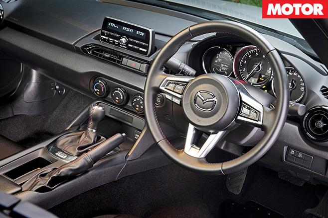 Mazda MX-5 auto review interior