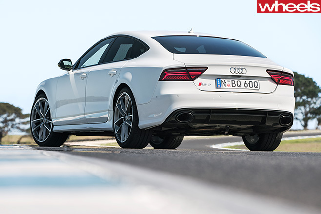 Audi -RS7-front -side -driving