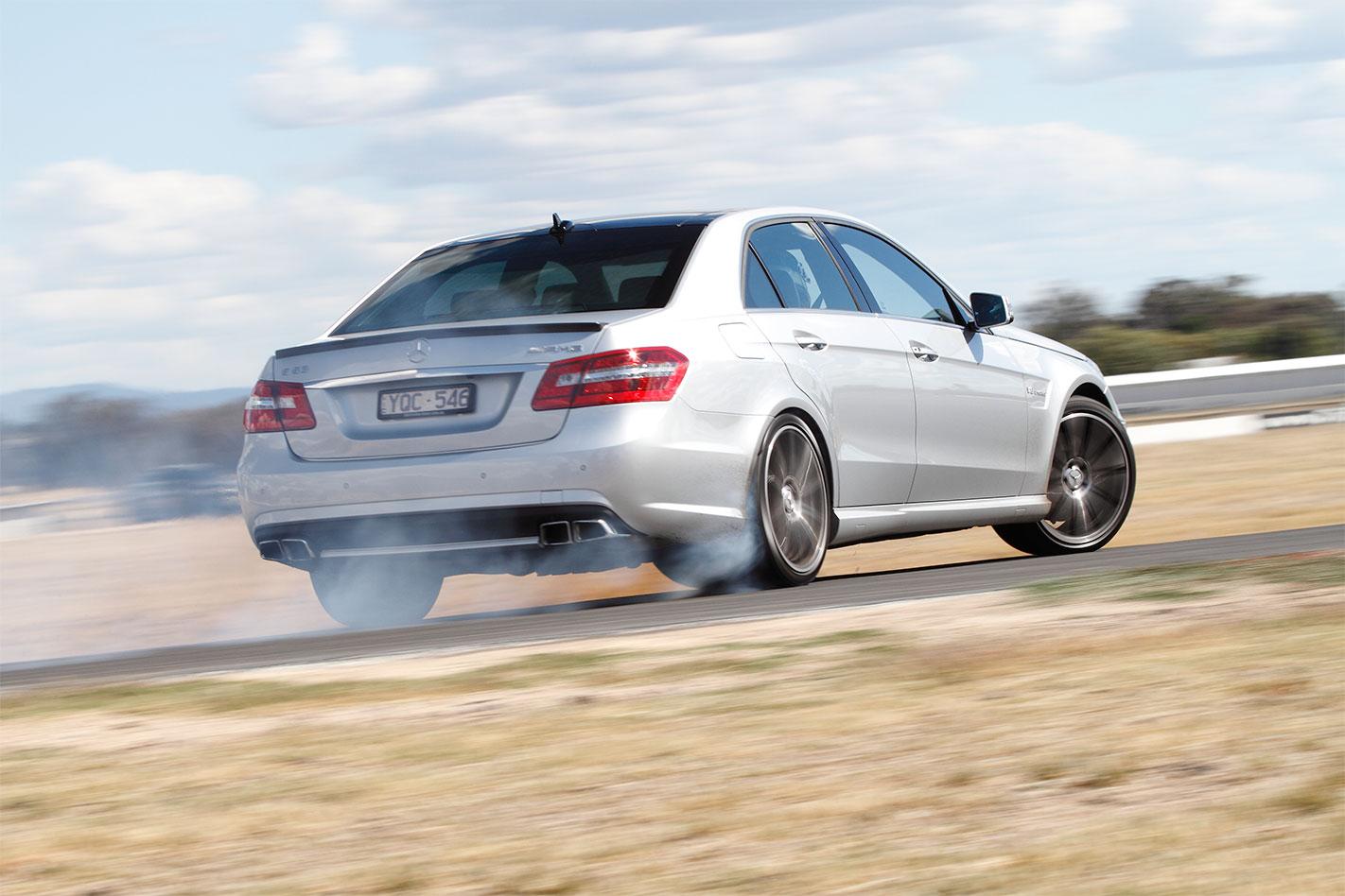 Mercedes -AMG-E63-drift