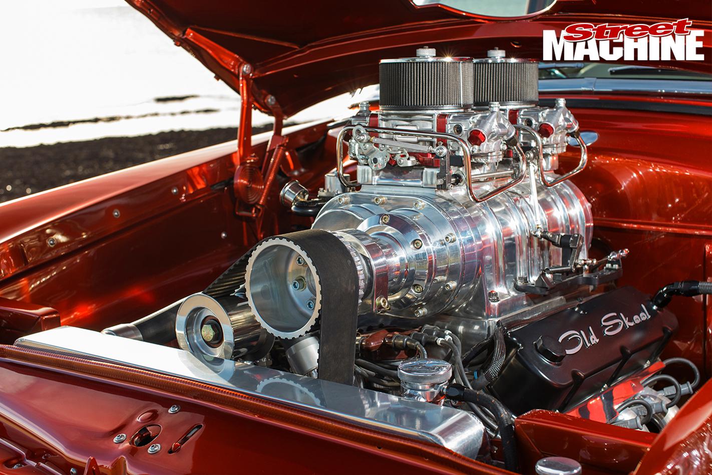 Ford -mainline -ute -old -skool -engine -detail