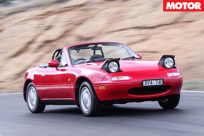 Old mx-5 driving
